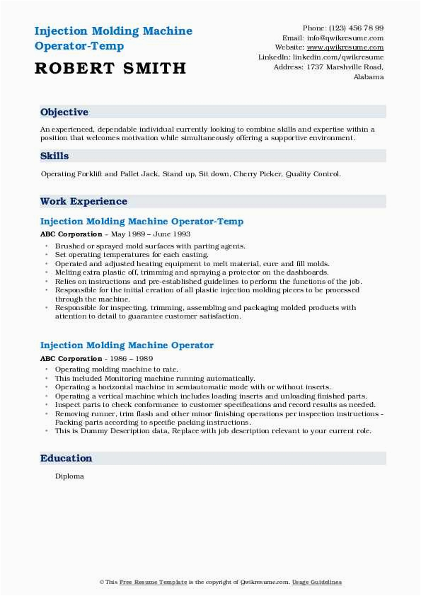 injection molding machine operator